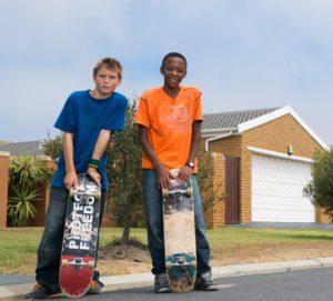 Boys with skateboards (Photo by Thinkstock)