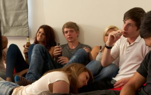 Teenagers drinking and smoking (Photo by Thinkstock)